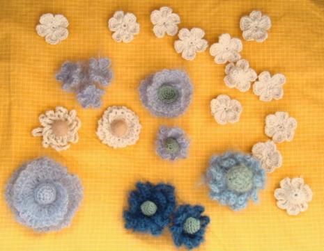 編み物の花