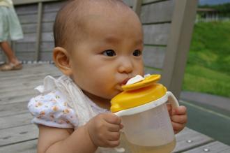 お外では、水分補給を忘れずに。
