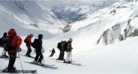氷の上でスキー