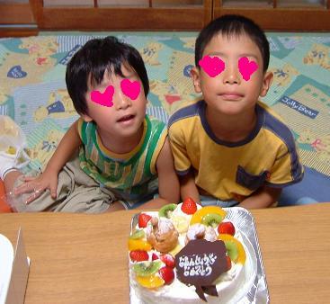 誕生日ケーキ07.8.4_2