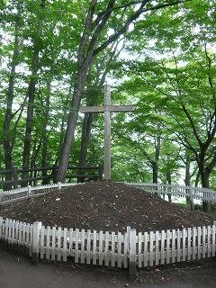 キリストの墓・十字架
