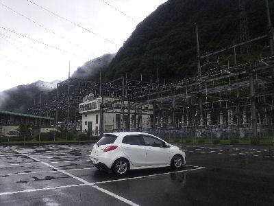 マツダスピードデミオスポルトMTと佐久間発電所