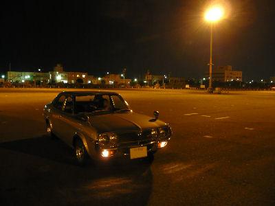 ルーチェと夜の幕張メッセ駐車場