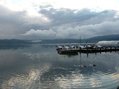 梅雨前の諏訪湖