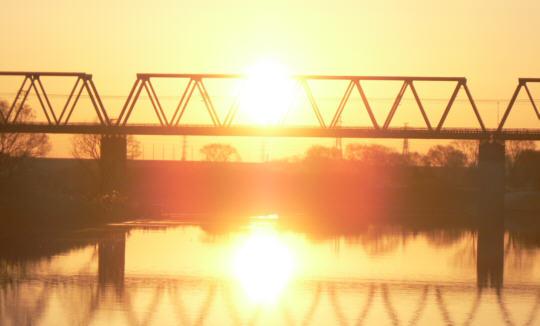 Sun090101_04.jpg