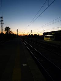夕暮れにのびる線路20081101