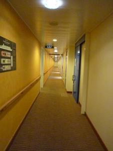 5デッキの廊下20090111