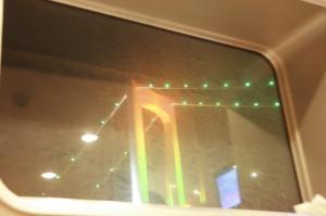 船窓からのレインボーブリッジ20090111