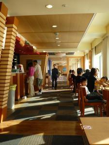 レストランへ続く廊下20090111