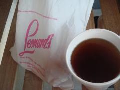 紅茶とマラサダ購入