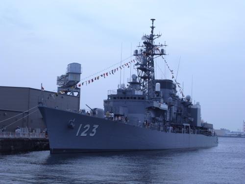護衛艦しらゆき2