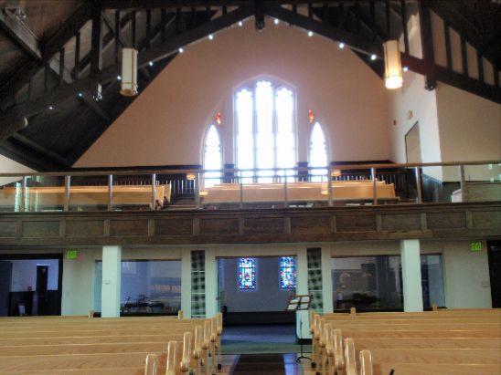 教会後ろ窓