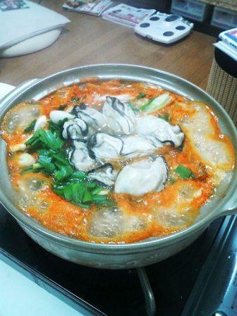 牡蠣鍋(キムチ風)