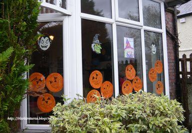 幼稚園の窓