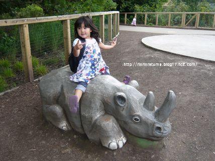 久々動物園で いぇー