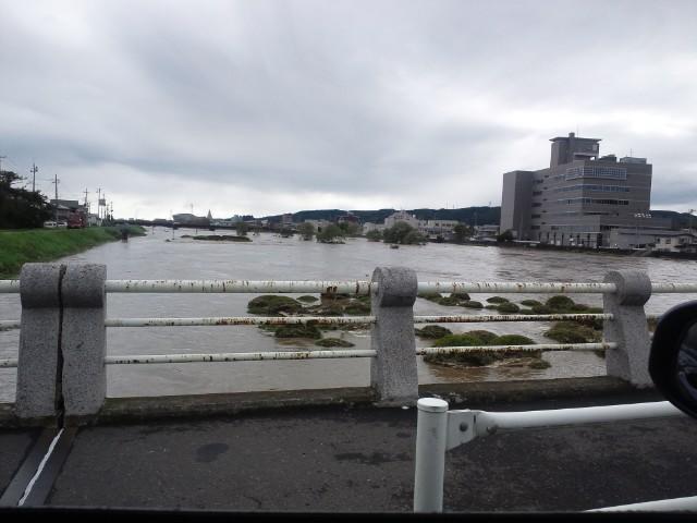 台風15号、久慈川上流