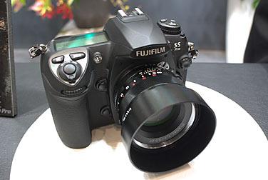 FUJIFILM FinePix S5pro と Carl Zeiss PlanarF2.8/50mm