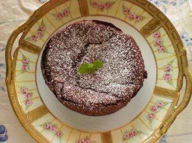 old noritake×gateau classique au chocolat