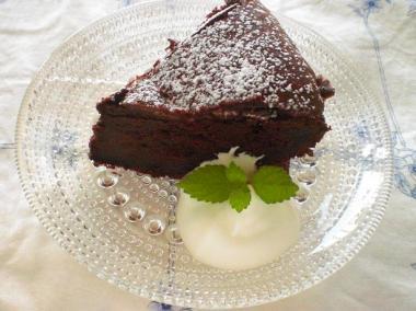 kastehelmi×gateau classique au chocolat