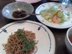 090223龍坊・乾豆腐炒め、海鮮サラダ