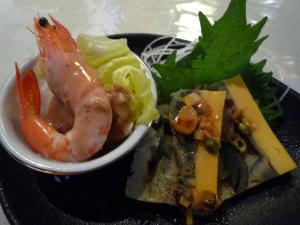 前菜(エビとピータン)