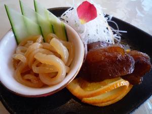 前菜(豚トロ叉焼と中華くらげ)