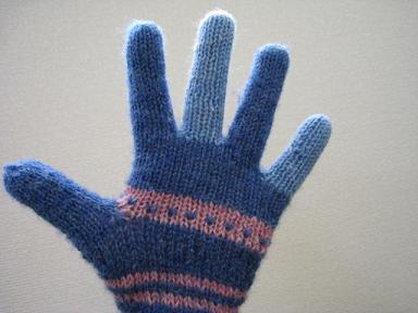 修理済み手袋