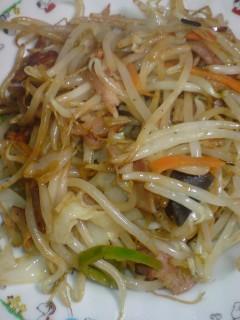 野菜炒め(ベーコン入り)