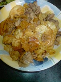 豚肉の細切れとポテチ炒め