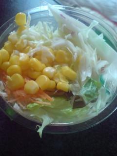 コーンサラダ