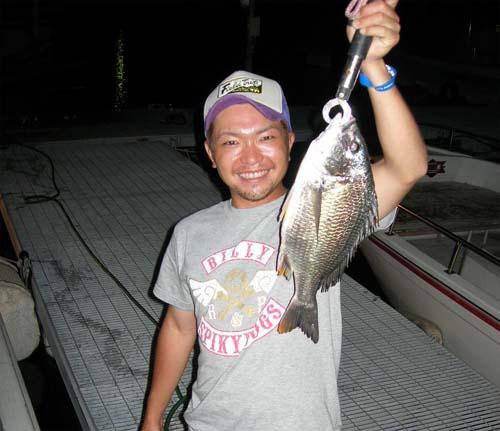 江口君チヌを釣る