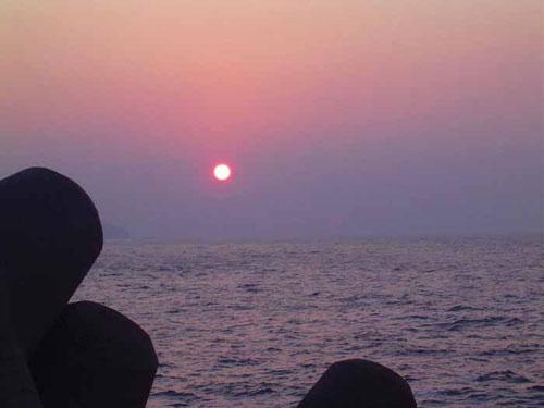 能登 冬の夕日