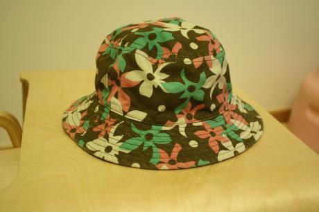 まのとお揃いの いちの帽子
