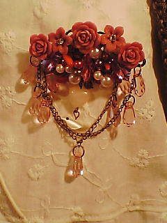 赤薔薇ブローチ