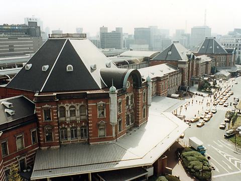 旧国鉄本社から見た東京駅