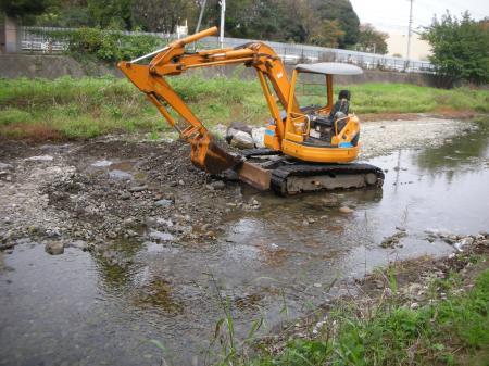 空堀川河床の整備