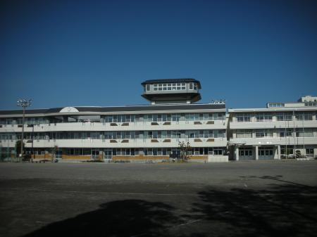 建て替えられた母校