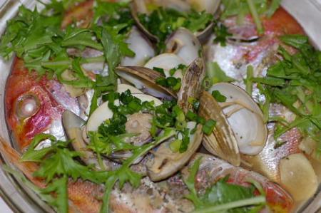 鯛とハマグリの香菜蒸し