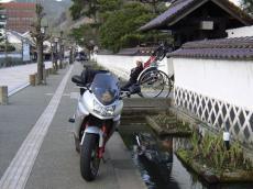 中村吉蔵記念館前の人力車
