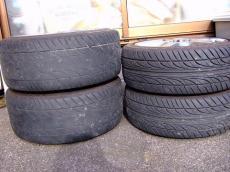 タイヤ溝なし