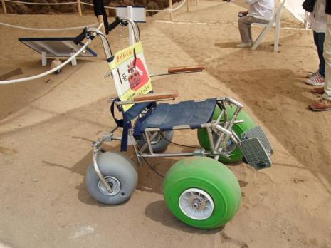 砂丘用車椅子
