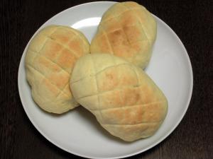 ロールメロンパン