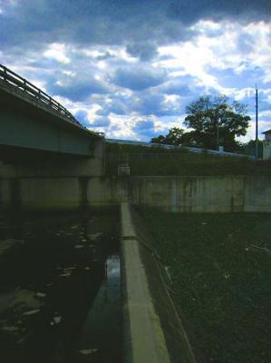 2008/10/27北條池からの流れ込み空