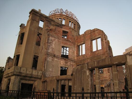 2008/12/10広島原爆ドーム1