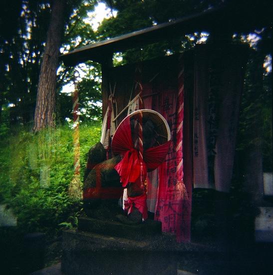 異な庭神社