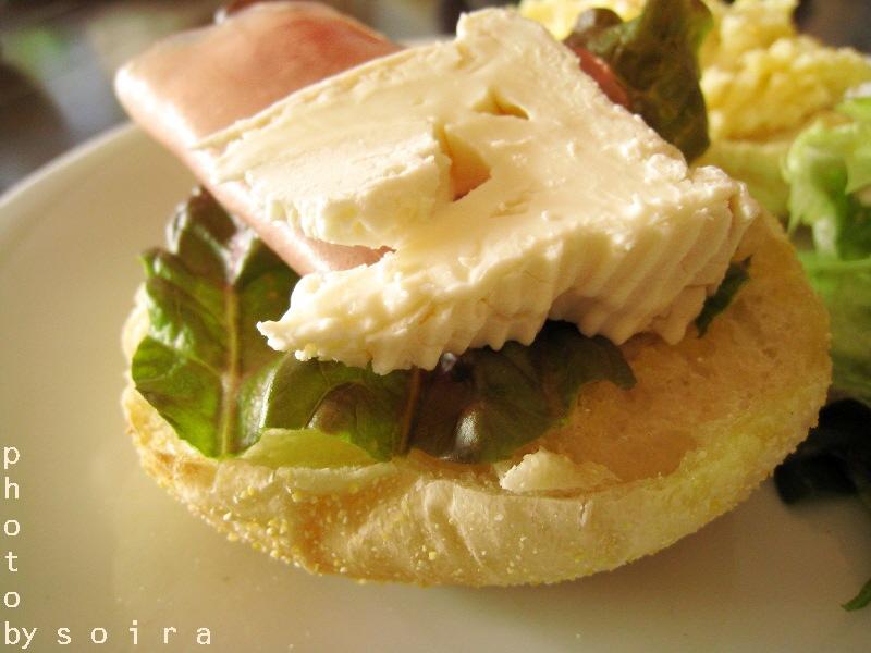 カマンベールチーズと生ハム
