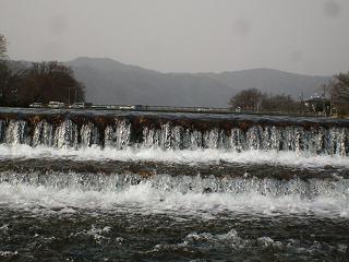 勢いよく流れる水_2009-03-16