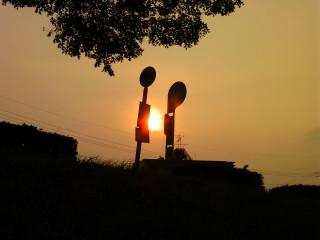 太陽とバス停_2009-06-13