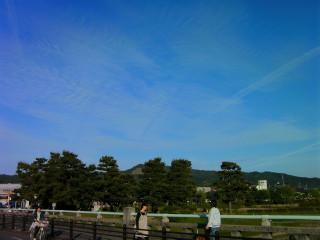 飛行機雲だらけの京都の空(2)_2009-05-15