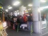 叡山電鉄待ちの行列(今日は鞍馬の火祭りの日だったっけ!?)_2009-10-22MB